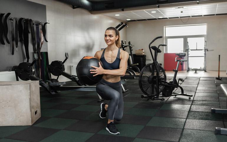 Medicine Ball Lunge at home gym