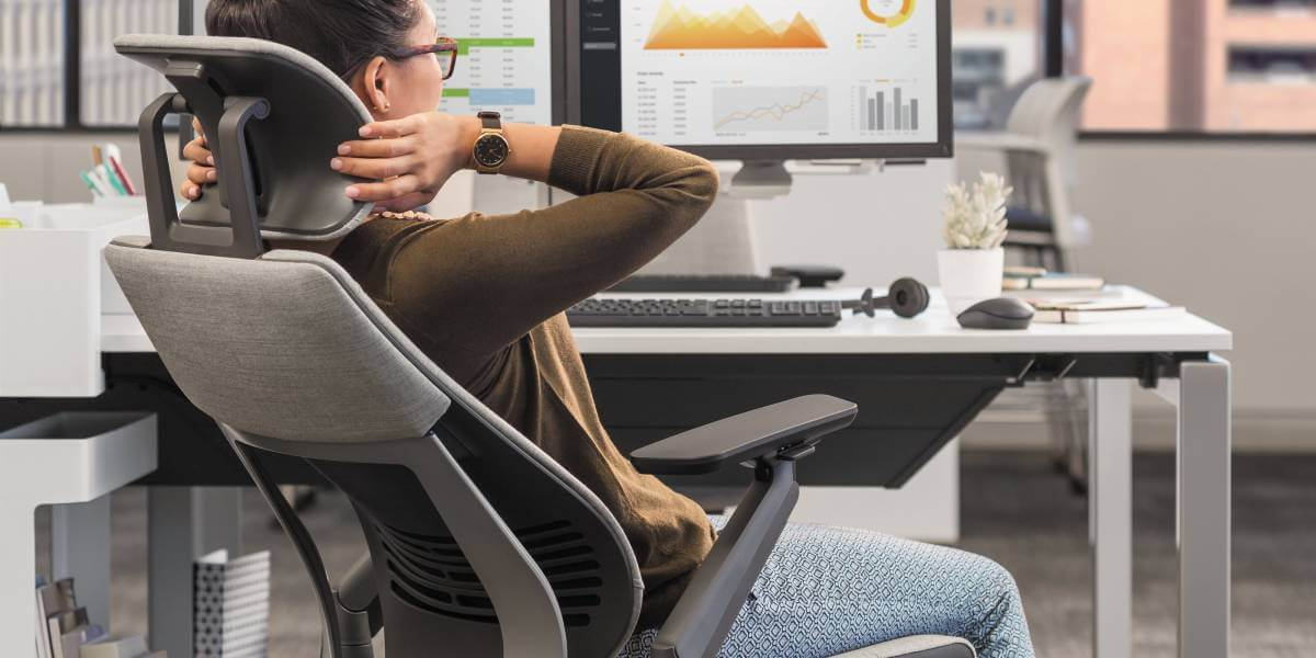 Avoid a Sedentary Lifestyle with standing desk