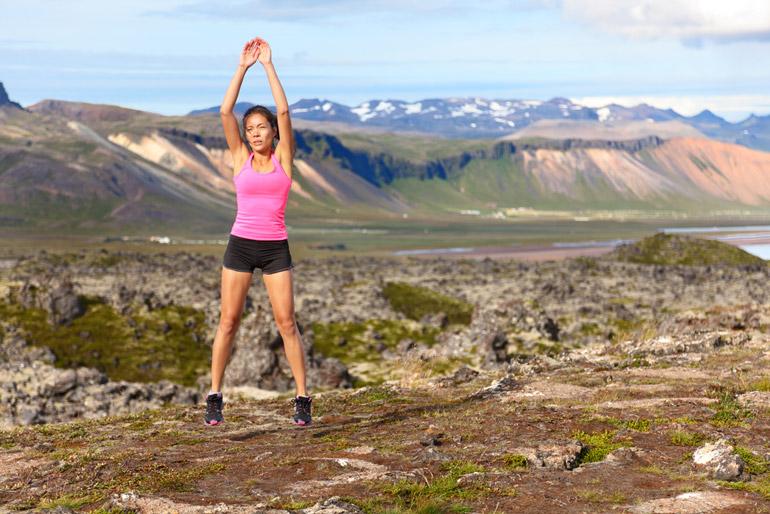 woman performing Jump Squats openair