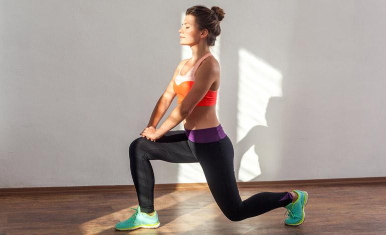 woman performing Split Squat at home